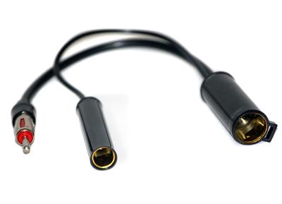 RTA 205.271-0 AM / FM adattatore per antenna di veicoli specifici