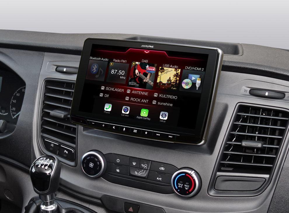Alpine INE-F904TRA Ford Transit Autoradio All in One Navigation mit 9-Zoll Display, DAB+, Apple CarPlay und Android Auto, HDMI, Bluetooth, AUX